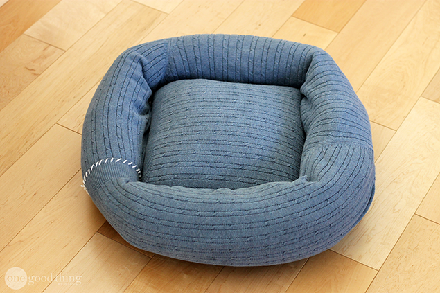 Sweater Pet Bed