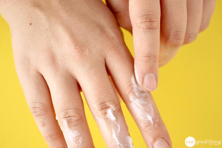 """The """"Miracle"""" Cure For Your Seriously Dry Skin"""