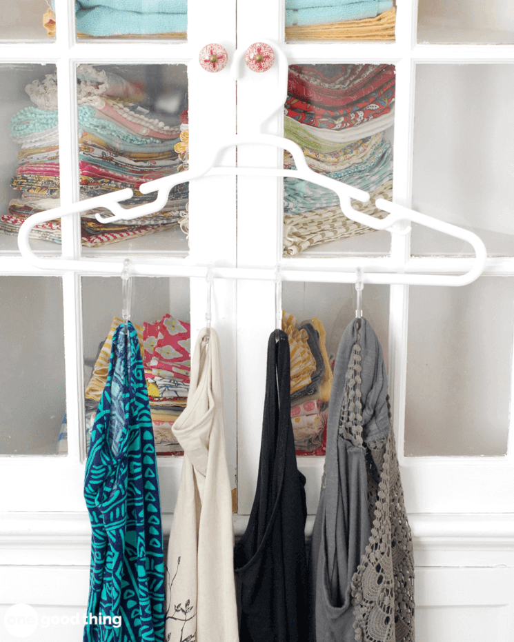 Organize Your Clothes 10 Creative And Effective Ways To Store And Hang Your Clothes: 10 Reasons Why Hangers Are More Useful Than You Think · Jillee