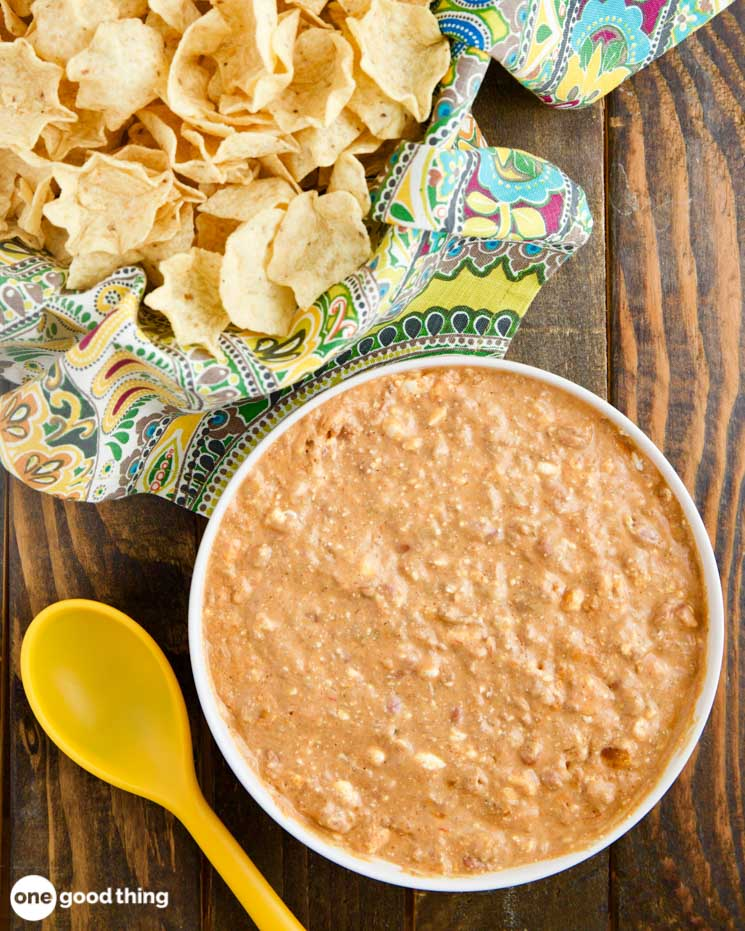 How To Make The Best Chili Cheese Dip With Just 3 Ingredients